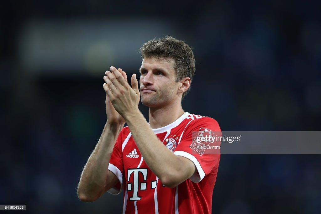 Thomas Mueller of Bayern Muenchen applauds their supporters as he looks dejected after the Bundesliga match between TSG 1899 Hoffenheim and FC Bayern Muenchen at Wirsol Rhein-Neckar-Arena on September 9, 2017 in Sinsheim, Germany.