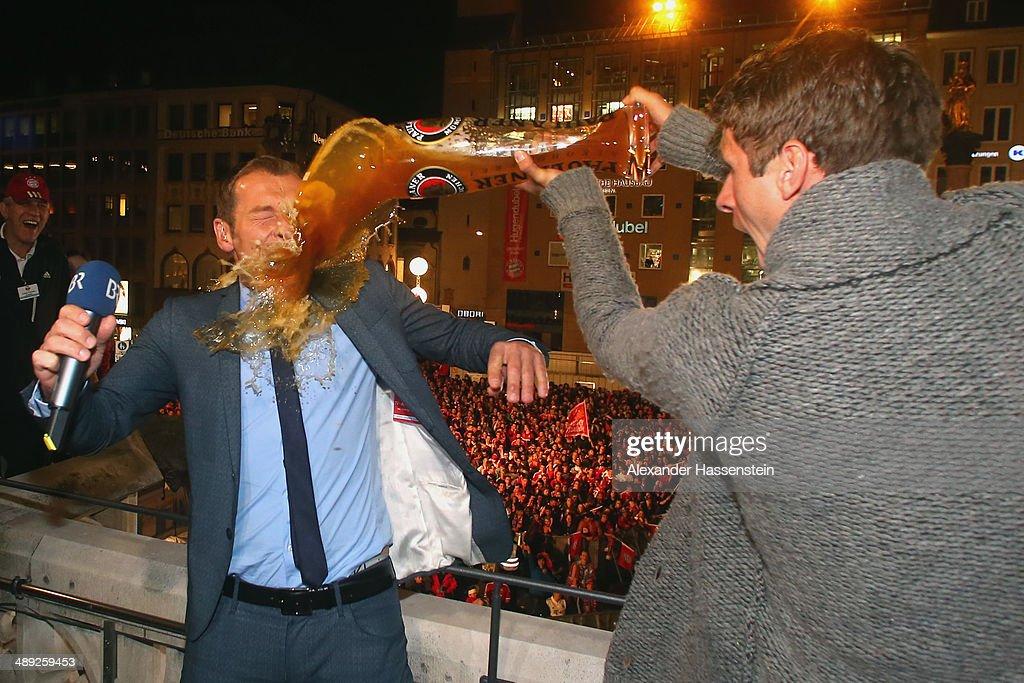 FC Bayern Muenchen Victory Parade : News Photo
