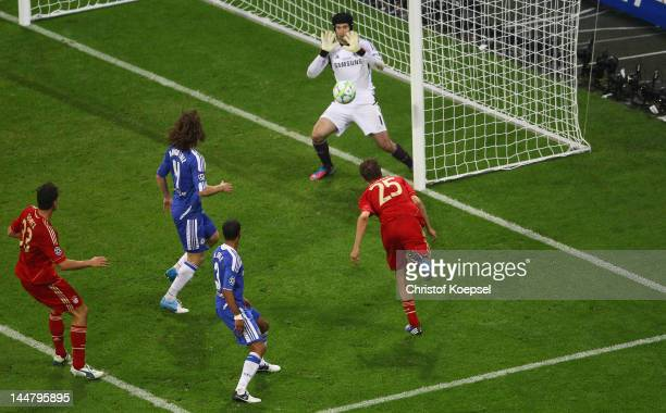 Thomas Mueller of Bayern Muenchen scores the opening goal during UEFA Champions League Final between FC Bayern Muenchen and Chelsea at the Fussball...