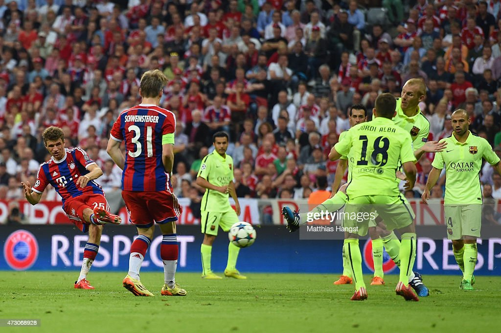 Thomas Mueller of Bayern Muenchen scores their third goal during the UEFA Champions League semi final second leg match between FC Bayern Muenchen and FC Barcelona at Allianz Arena on May 12, 2015 in Munich, Germany.