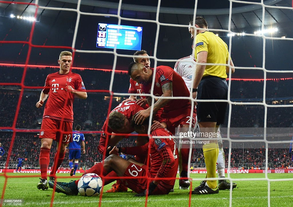 FC Bayern Munchen v Olympiacos FC - UEFA Champions League : News Photo