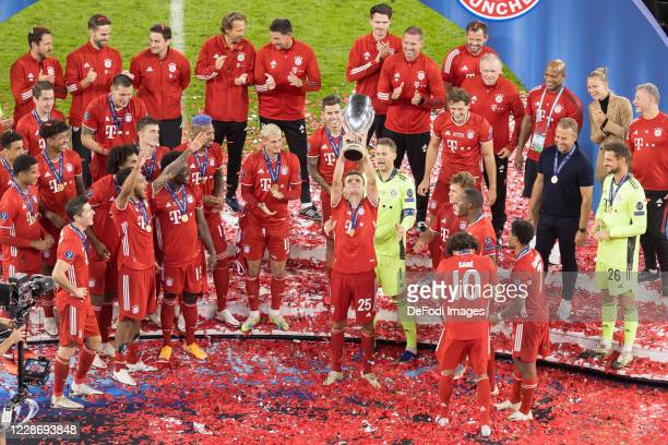 Thomas Mueller of Bayern Muenchen with the cup celebrate after winning the UEFA Super Cup match between FC Bayern Munich and FC Sevilla at Puskas...