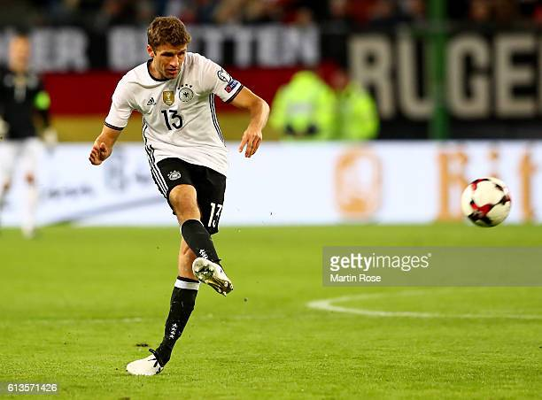 Thomas Mueller of Germany runs with the ball during the FIFA 2018 World Cup Qualifier between Germany and Czech Republic at Volksparkstadion on...