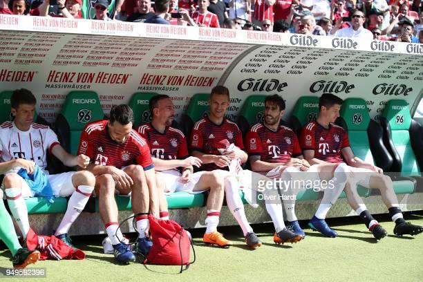 Thomas MuellerMats HummelsyFranck RiberyJoshua KimmichJavi Martinez and Robert Lewandowski of Munich looks on prior to the Bundesliga match between...