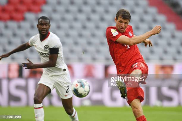 Thomas Muller of FC Bayern Muenchen scores his team's second goal during the Bundesliga match between FC Bayern Muenchen and Eintracht Frankfurt at...