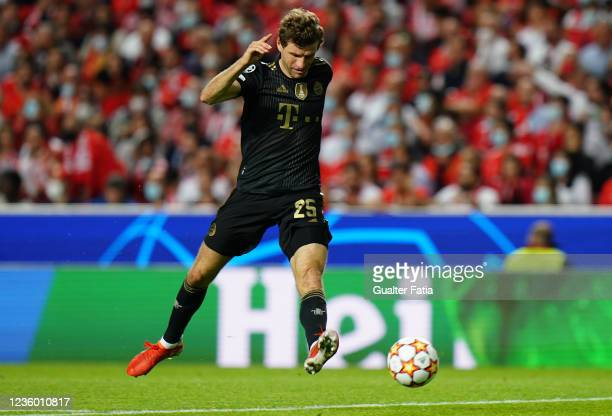 Thomas Muller of FC Bayern Munchen in action during the Group E - UEFA Champions League match between SL Benfica and Bayern Munchen at Estadio da Luz...