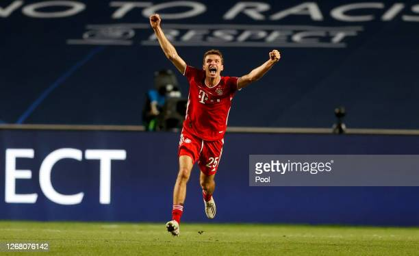 Thomas Muller of FC Bayern Munich celebrates on the final whistle following the UEFA Champions League Final match between Paris Saint-Germain and...
