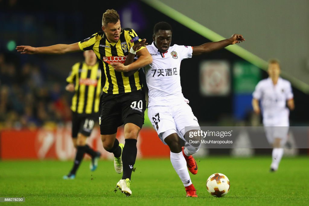 Thomas Oude Kotte of Vitesse Arnhem battles for the ball with Jean-Victor Makengo of OGC Nice during the UEFA Europa League group K match between Vitesse and OGC Nice at on December 7, 2017 in Arnhem, Netherlands.