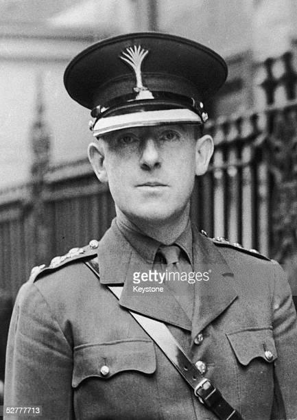 Thomas Pitt Hamilton Cholmondeley the 4th Baron Delamere arrives at Claridges for lunch 1944