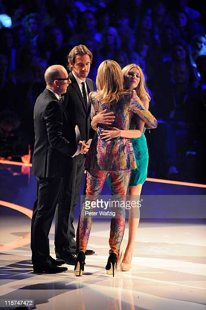Thomas Rath Thomas Hayo Heidi Klum and Amelie Klever during the finalists show of 'Germany's Next Topmodel' at the LanxessArena on June 09 2011 in...