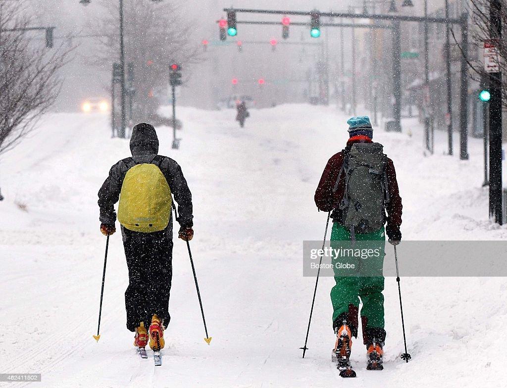 Blizzard Hits New England : News Photo