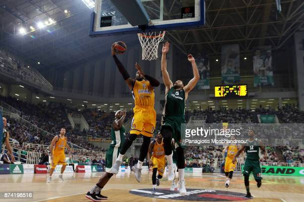 Thomas Robinson #0 of Khimki Moscow Region competes with Ian Vougioukas #15 of Panathinaikos Superfoods Athens during the 2017/2018 Turkish Airlines...