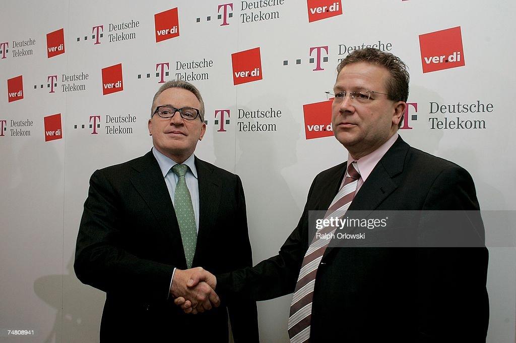 Photos Et Images De Telekom And Verdi Reach Labor Agreement Getty