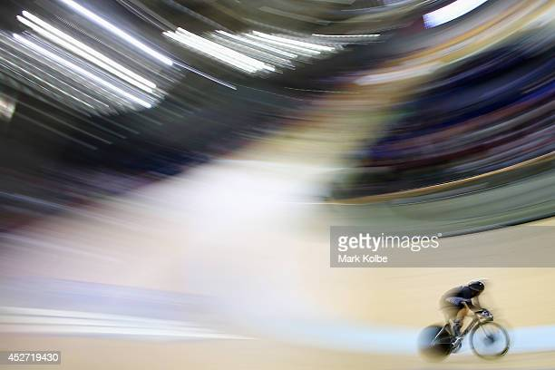 Thomas Scully of New Zealand competes in the men's 40km points race quaifying round at Sir Chris Hoy Velodrome during day three of the Glasgow 2014...