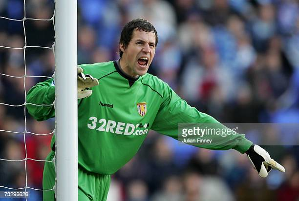 Thomas Sorensen of Aston Villa shouts instructions during the Barclays Premiership match between Reading and Aston Villa at the Madejski Stadium on...