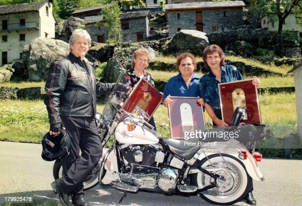 Thomas Stein Olaf Malolepski Manfred Durban BerndHengst FlippersJubiläumSpecialZDFShow Ascona/Tessin/Schweiz MotorradGoldene Schallplatte