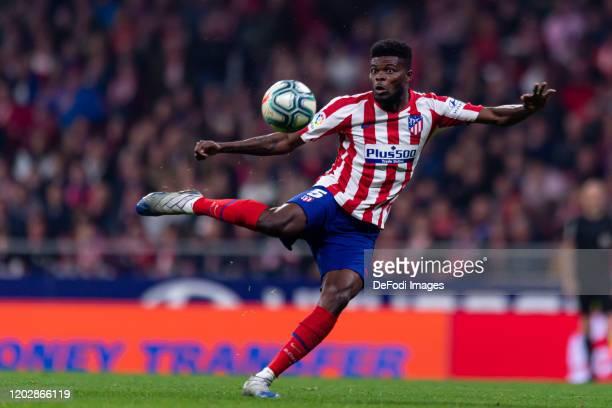 Thomas Teye Partey of Atletico de Madrid controls the ball during the Liga match between Club Atletico de Madrid and Villarreal CF at Wanda...