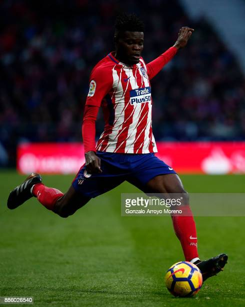 Thomas Teye Partey of Atletico de Madrid controls the ball during the La Liga match between Club Atletico Madrid and Real Sociedad de Futbol at...