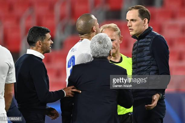 Thomas Tuchel, Manager of Chelsea and Sergio Conceicao, Head Coach of Porto interact following during the UEFA Champions League Quarter Final Second...
