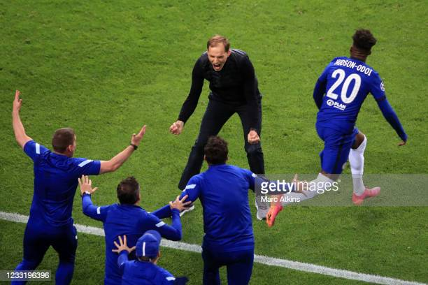Thomas Tuchel manager of Chelsea celebrates victory with his coaching staff and Callum Hudson-Odoi during the UEFA Champions League Final between...