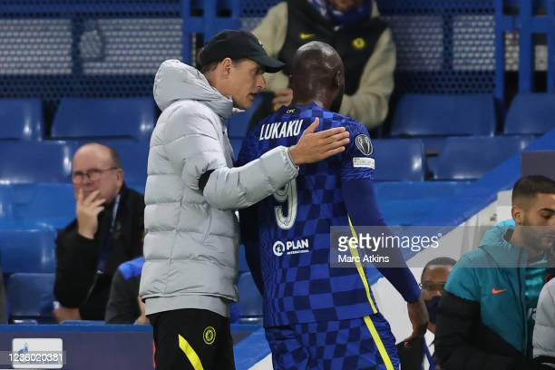 Thomas Tuchel manager of Chelsea with the injured Romelu Lukaku during the UEFA Champions League group H match between Chelsea FC and Malmo FF at...