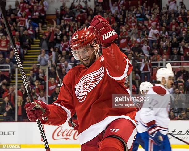 Thomas Vanek of the Detroit Red Wings celebrates a second period goal during an NHL game Montreal Canadiens at Joe Louis Arena on January 16 2017 in...