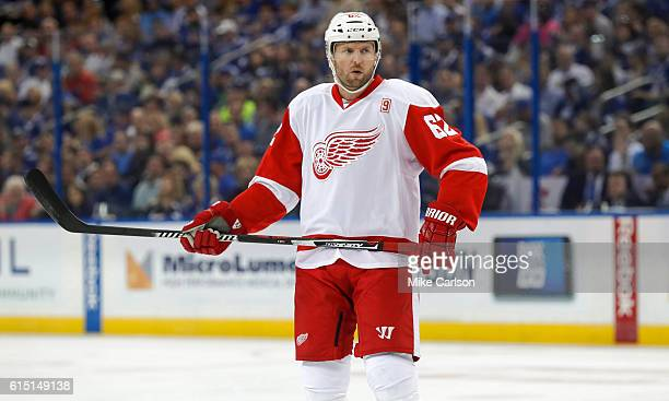 Thomas Vanek of the Detroit Red Wings gets ready for a faceoff against Tampa Bay Lightning during a game at the Amalie Arena on October 13 2016 in...