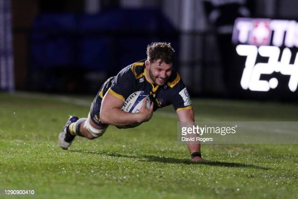 Thomas Young of Wasps scores their fourth try during the Heineken Champions Cup Pool 1 match between Dragons and Wasps at Rodney Parade on December...