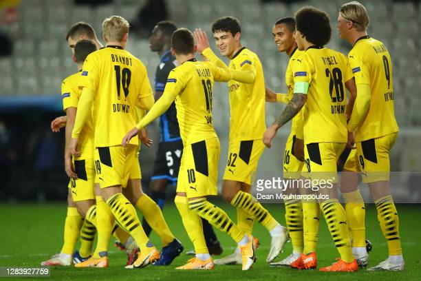 Thorgan Hazard of Borussia Dortmund celebrates after he scores his sides first goal during the UEFA Champions League Group F stage match between Club...