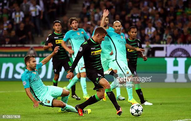Thorgan Hazard of Borussia Moenchengladbach scores the opening goal during the UEFA Champions League group C match between VfL Borussia...