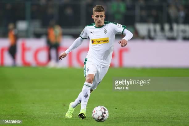 Thorgan Hazard of Borussia Monchengladbach controls the ball during the Bundesliga match between Borussia Moenchengladbach and Hannover 96 at...