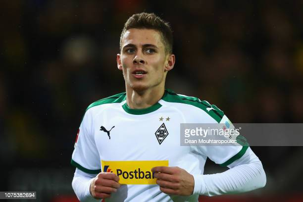 Thorgan Hazard of Borussia Monchengladbach in action during the Bundesliga match between Borussia Dortmund and Borussia Moenchengladbach at Signal...
