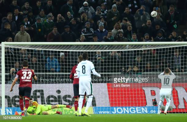 Thorgan Hazard of Borussia Monchengladbach misses a penalty during the Bundesliga match between Borussia Moenchengladbach and 1 FC Nuernberg at...