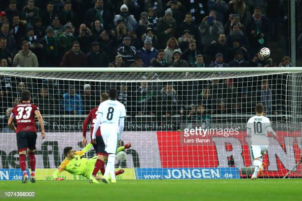 Thorgan Hazard of Borussia Monchengladbach misses a penalty during the Bundesliga match between Borussia Moenchengladbach and 1. FC Nuernberg at...