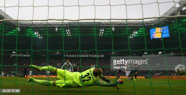 Thorgan Hazard of Gladbach misses the penalty during the Bundesliga match between Borussia Moenchengladbach and RB Leipzig at BorussiaPark on...