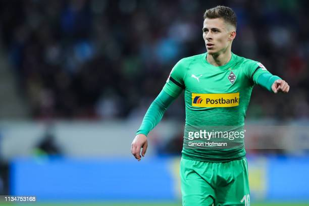 Thorgan Hazard of Moenchengladbach gestures during the Bundesliga match between 1 FSV Mainz 05 and Borussia Moenchengladbach at Opel Arena on March...