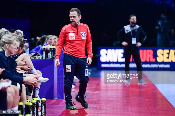 Thorir hergeirsson coach of Norway during the EHF Euro match between Sweden and Norway on December 14 2018 in Paris France