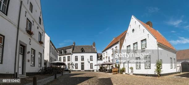 thorn panorama in limburg, netherlands - オランダ リンブルフ州 ストックフォトと画像