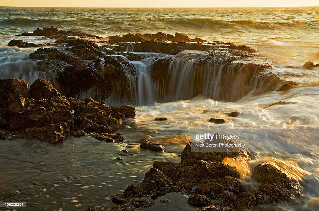Thor's Well : Stock Photo