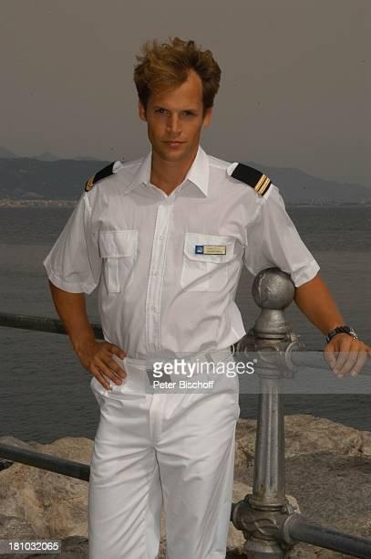 Unter weißen Segeln Leinen los 2 Folge Cecara/Italien Schauspieler Hafen Meer Mittelmeer Uniform Boot Schiff Promis Prominente Prominenter