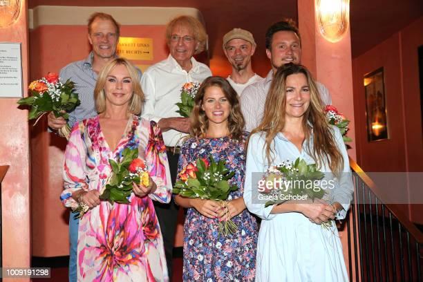 Thorsten Nindel Peter Fricke Arne Assmann Maximilian Laprell Saskia Valencia Claudia Ploeckl Alexandra Kamp during the premiere of 'Eine...