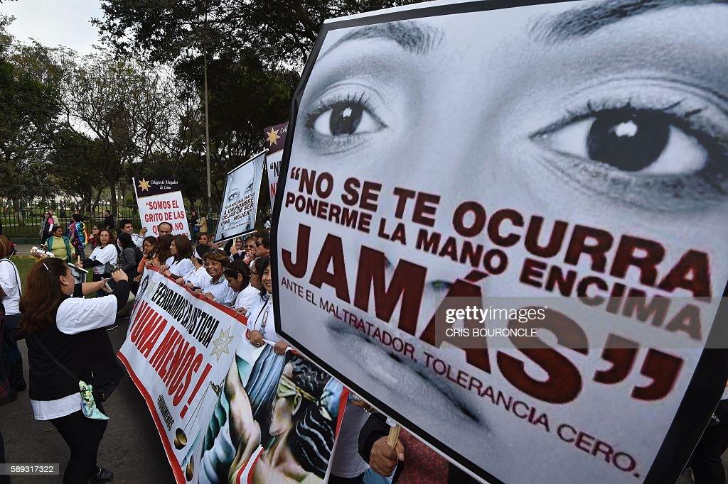 PERU-CRIME-GENDER-DEMO : News Photo