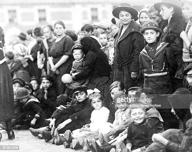 Thousands of immigrants arrive in ocean race hoping to find Ellis Island portals still openSeven steamships with 7000 immigrants raced in fog and...