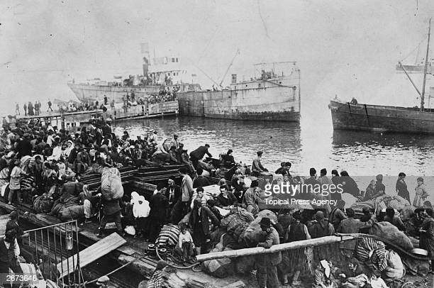 Thousands of local Greeks fleeing by sea from Smyrna Turkey driven out by the armies of Mustafa Kemal