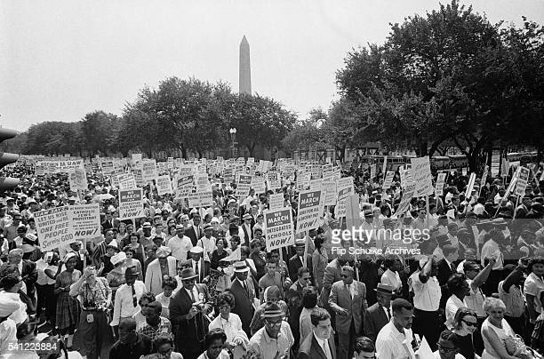Thousands of marchers walk to the Lincoln Memorial on Connecticut Avenue during the March on Washington