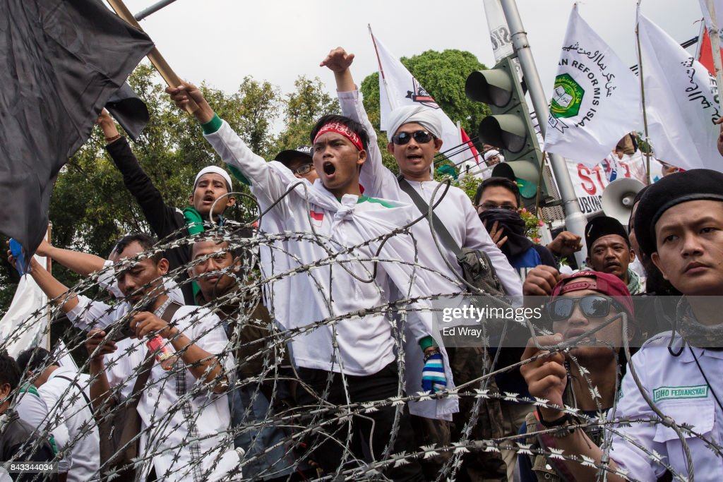 Thousands of members of various Indonesian muslim groups demonstrate in support of Myanmar's Rohingya population in front of the Myanmar embassy on September 6, 2017 in Jakarta, Indonesia. Myanmar has reportedly laid landmines across a section of its border with Bangladesh for the past three days as nearly 125,000 Rohingya refugees have fled across the border from Myanmar to Bangladesh since violence erupted on August 25.