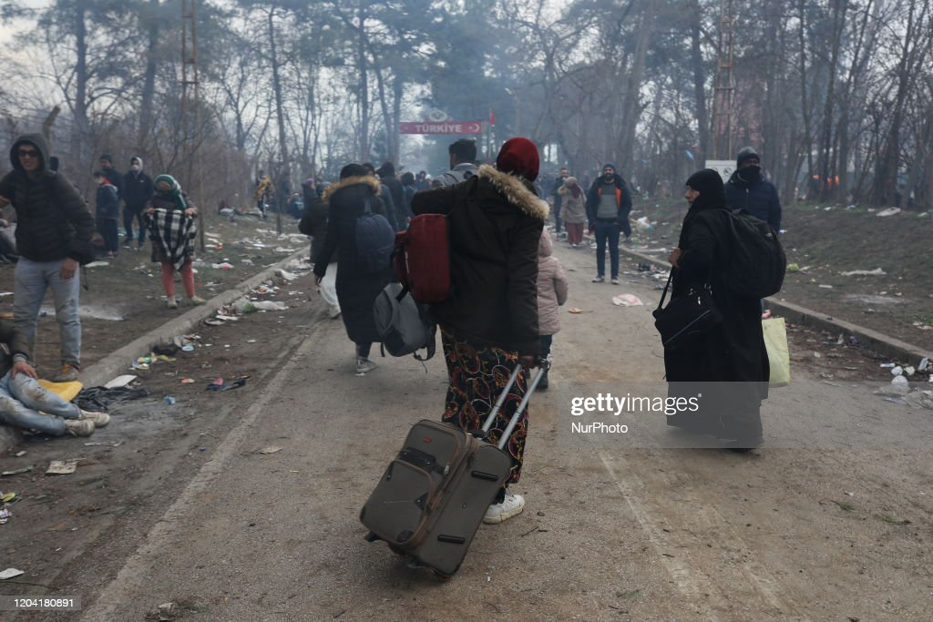 Migrants On The Turkey-Greece Border : News Photo