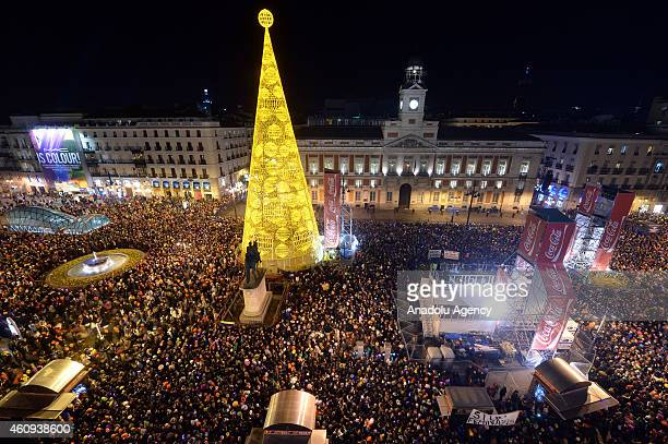 Thousands of people gathered in Sol Square celebrate new year in Madrid, Spain January 1, 2015.