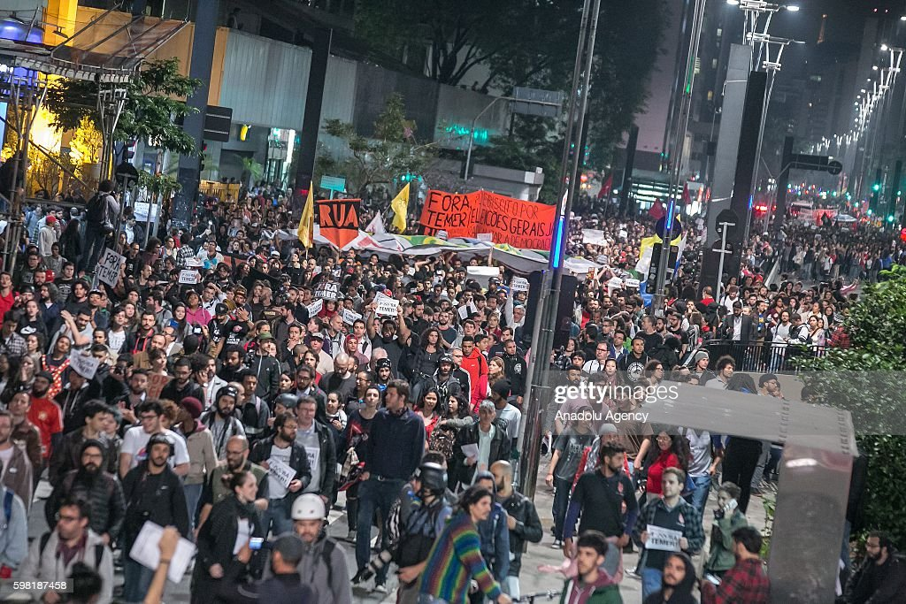 Rally in favor of the former President Dilma Rousseff in Sao Paulo : News Photo