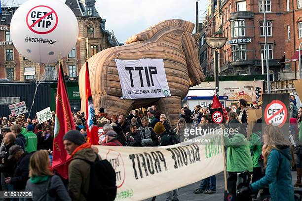 Thousands of protestors against the TIPP and CETA free trade agreements gather at The City Hall Square and from where they walks to the Parliament in...